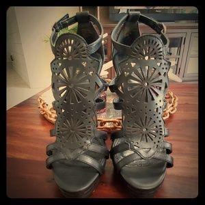Isola Black leather heels